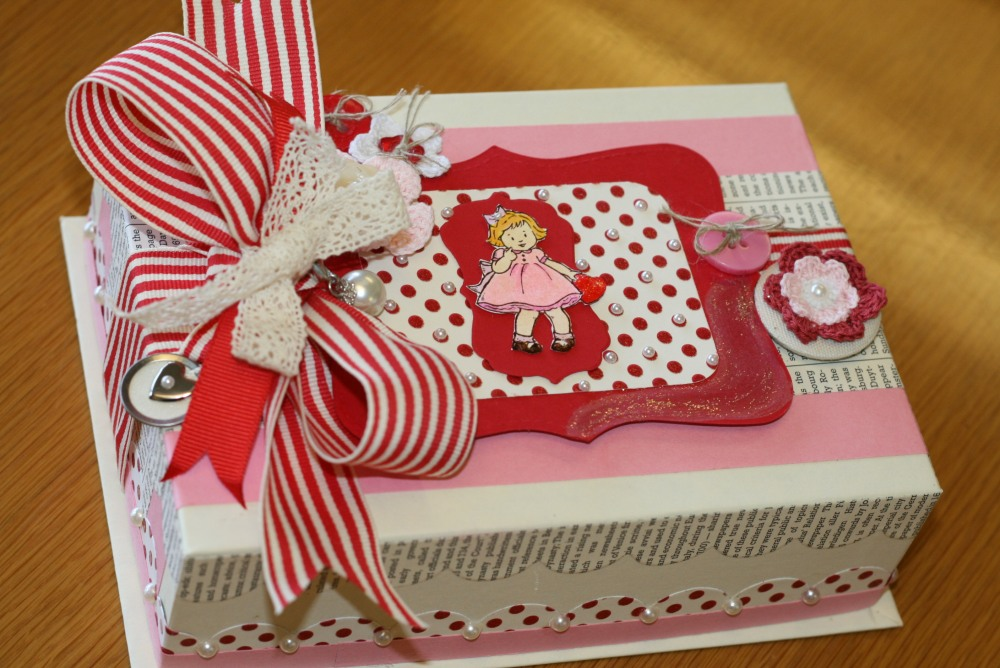 Did you ever make Valentine boxes in elementary school?