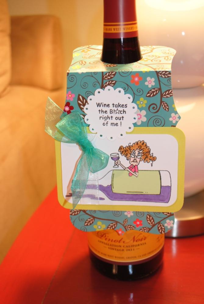 Wine bottle tag (2/3)